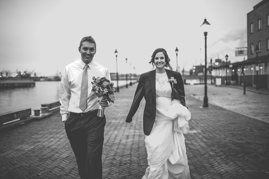 Cambria_Creative_Baltimore_Fells_Wedding_Photography-1000.jpg