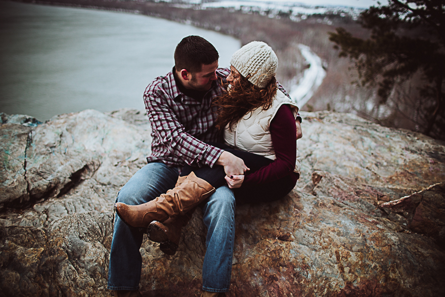 Cambria_Creative_Columbia_Overlook_Engagement_Photography-1570.jpg