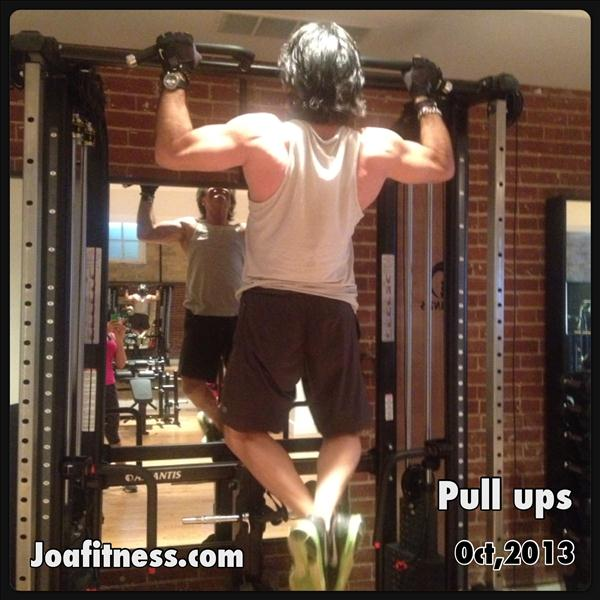 Santo Age: 59 Back Muscles: Powerful! Santo keeps a consistent program, he has been training for just over one year 3x a week. He is inspiring, and here you can see him performing 4 sets of pull-ups, 10 reps each. Strong back = strong body