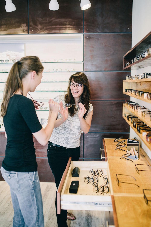 353524005949 Nashville Eye Glasses Shop