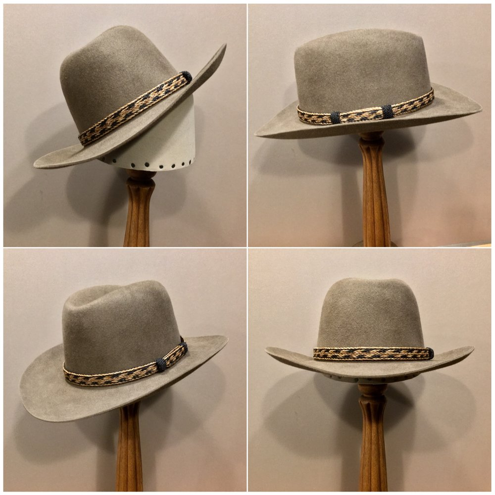 Material: 100% Beaver Color: Natural Open Block: CH Brim Set/ Width: Round Up/ 2 7/8 inches Trim: Braided horsehair