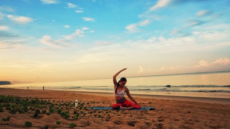 beach yoga jessi fit pilates.JPG