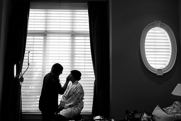 From last weeks beautiful wedding captured by @zmoluphotography 👌🏽me doing my thing! I love my brides!! . . . . #makeupartist #weddingmakeup #weddingtoronto #wedluxe #blackandwhitephoto #weddingbells #finaltouches #youcantseelikeZ