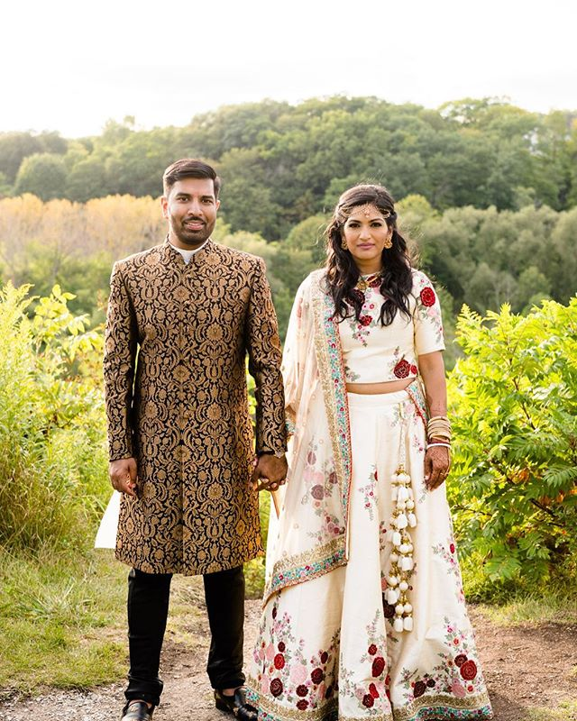 Such a beautiful wedding we were fortunate to be a part of (bridal hair by  @karimasumar for @barnonebeauty) featured on @torontolife 💕 link in the bio! . . . . #wedding #indianwedding #modernindian #weddingtoronto #barnonebeauty #beauty #weddingtoronto #weddinghair #weddingmakeup #modernbride #hairstylist