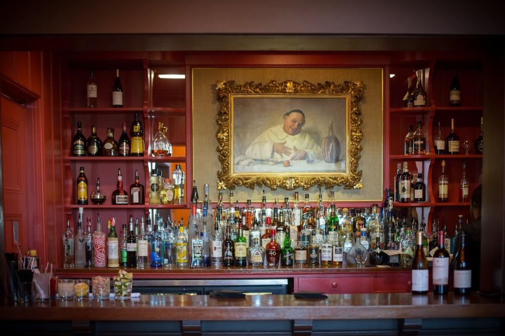 Santa Barbara Club Bar
