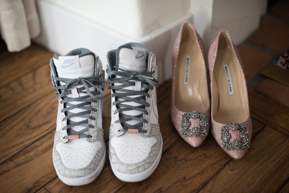 Felici Events | Wedding Planer | El Encanto Wedding | Santa Barbara Wedding | Wedding Planning | Getting Ready | Bride`s Shoes