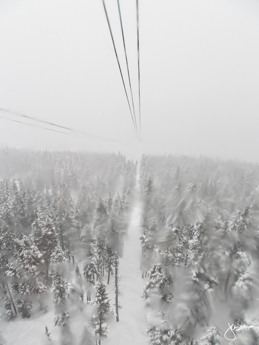 Snowing heavily on the Peak 2 Peak ride through the valley