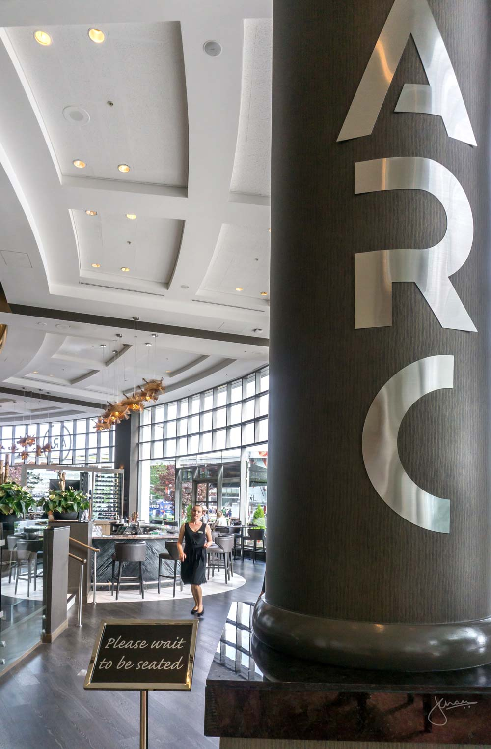 Arc Dining, Fairmont Waterfront
