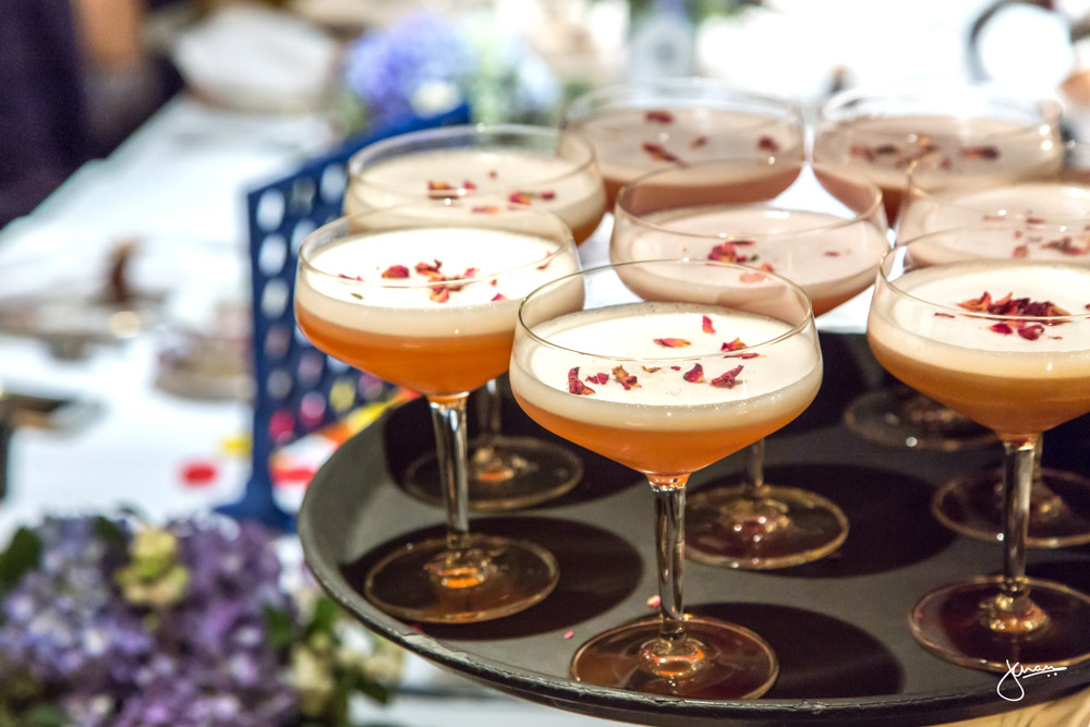 Miss Scarlet : Tangueray Ten Gin, Rosebud Tea Simple Syrup, Lemon Juice, Raspberry Jam, Egg White