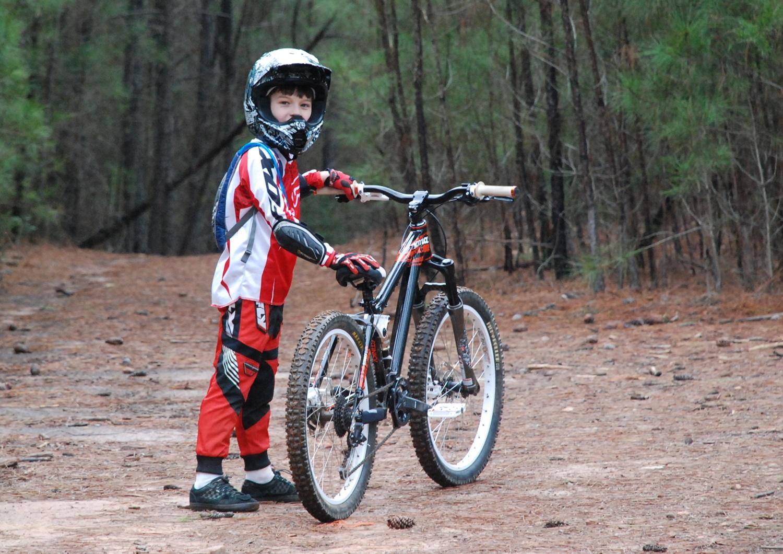 1f70184bbc5 Kids DH Bike Part 1: Kona Stinky 24 — DoubleBlack Bikes