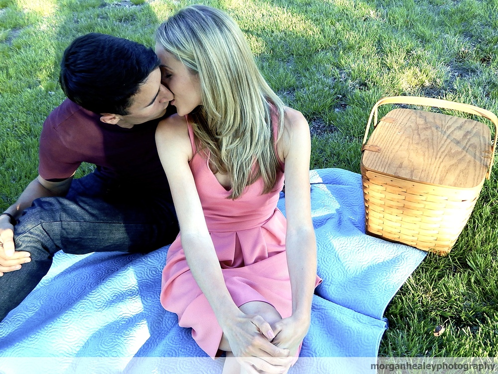 kim&jas picnic.jpg