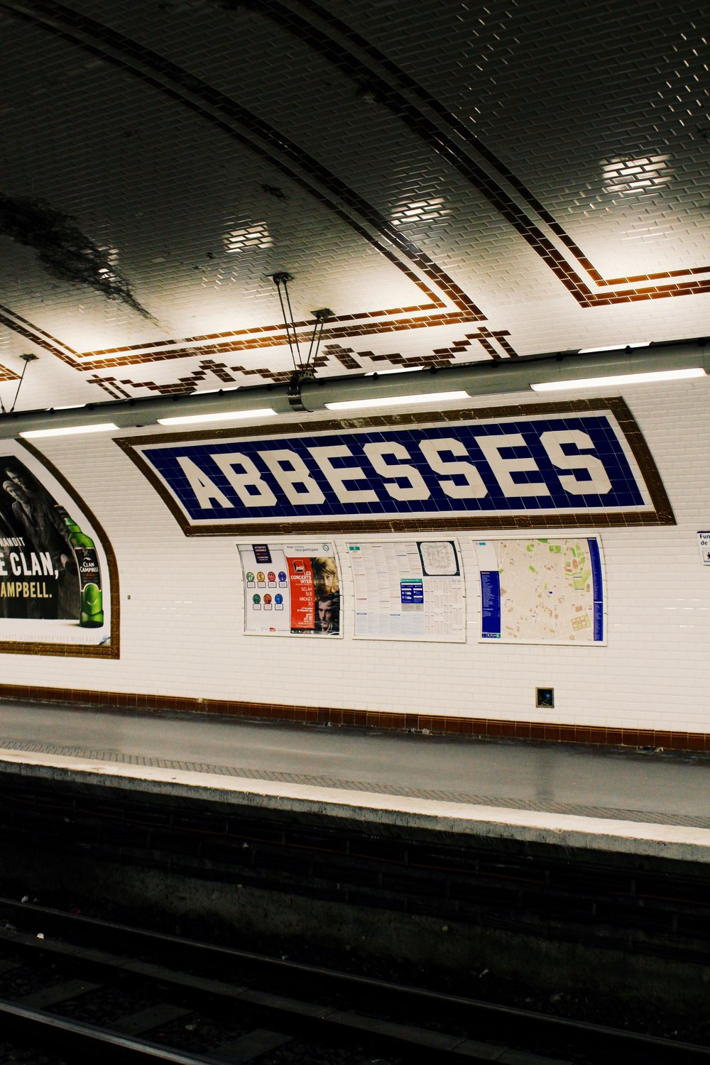 abbesses subway copy.jpg