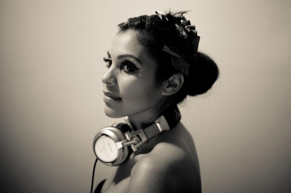 DJ-Cam-Con-7-950x632.jpeg