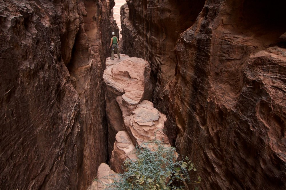 An abseil point in Abu Iglakhat Canyon