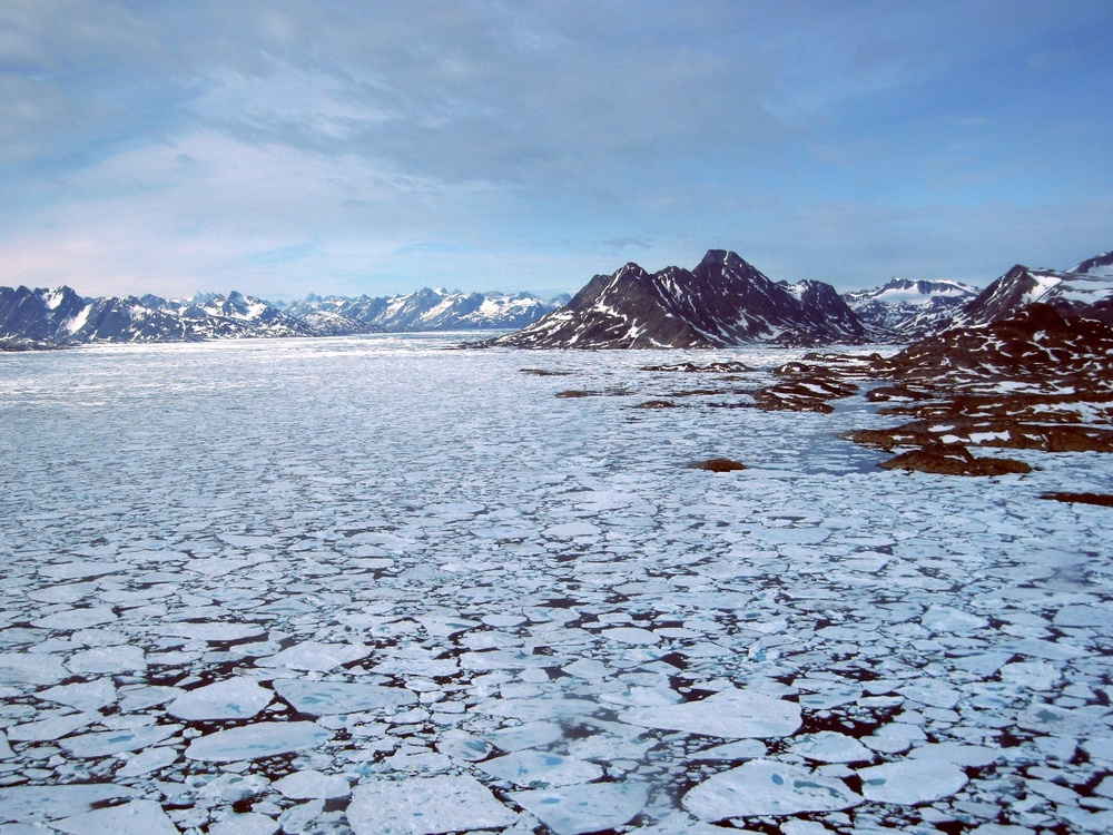 Heavy ice pack around Tasiilaq made boat travel impossible