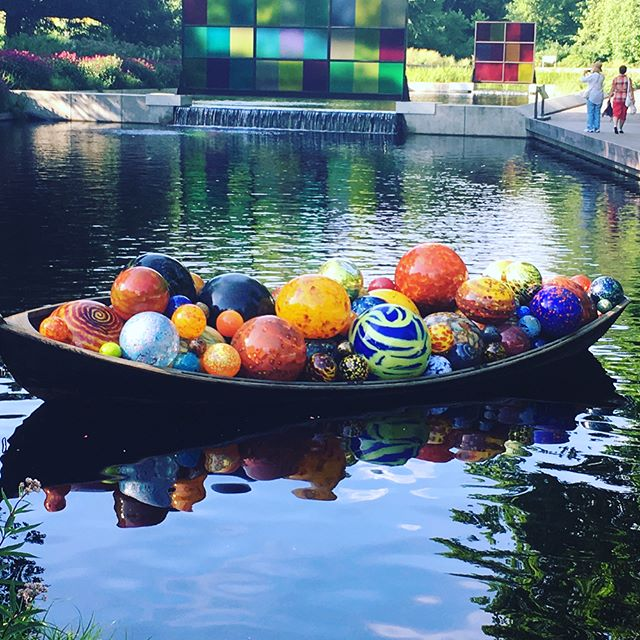 Throwback to summer trip to NY Botanical Garden.  Can't go wrong with Chihuly and nature.  #nybotanicalgarden #chihuly #glass #art #flowers #sadtoseesummergo