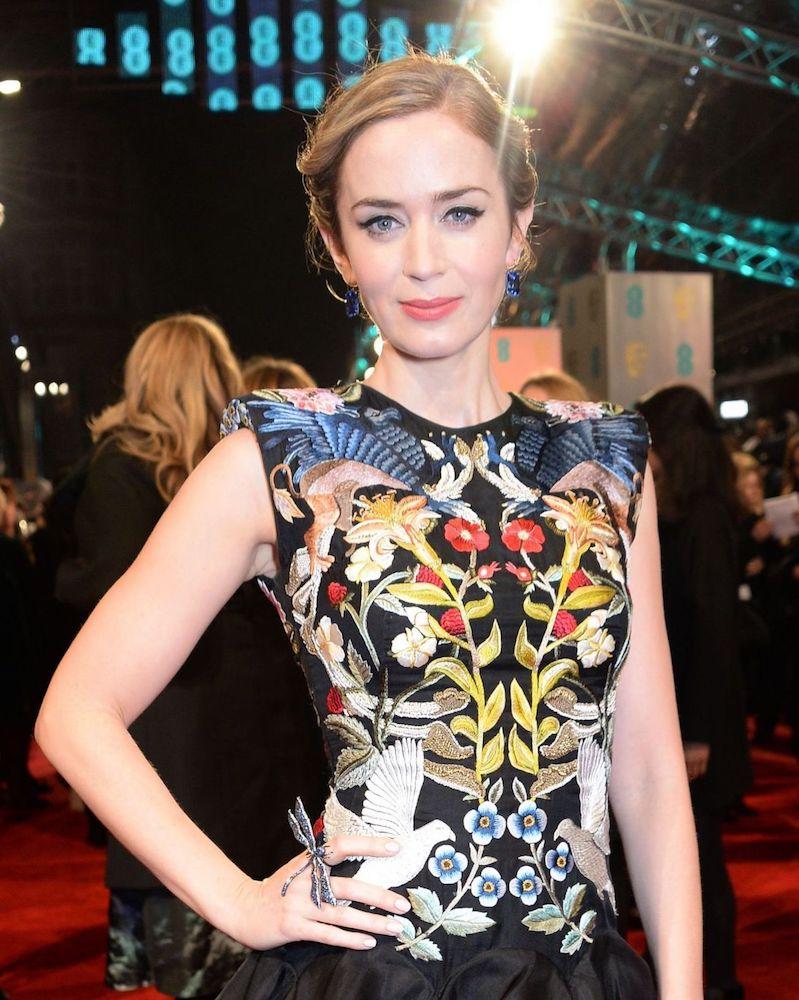 Emily Blunt Lorraine Schwartz Ring Earrings BAFTAs 2017 Jewelry.jpeg