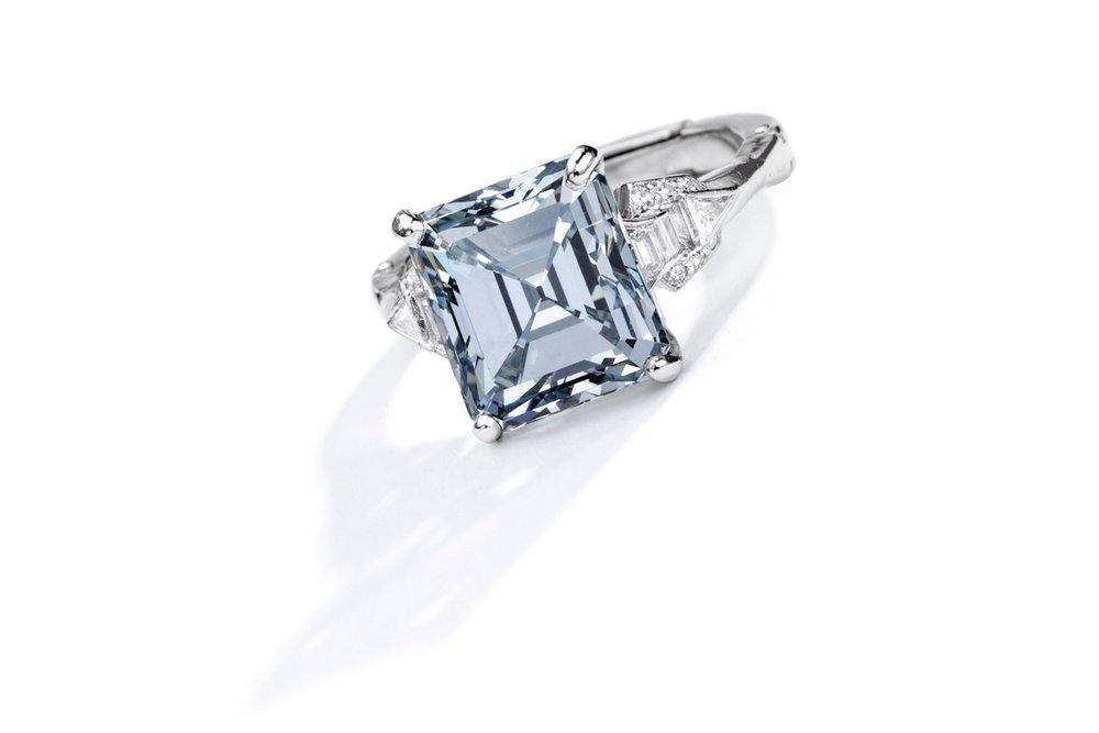 Lot 88: Important Platinum, Fancy Gray-Blue Diamond and Diamond Ring, Estimate 750,000 — 1,000,000