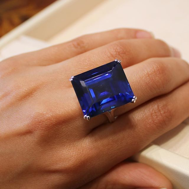 Still thinking about this incredible 50ct sapphire seen at @moussaieffjewellers in Paris. 💙 It's the final weekend of @labiennaleparis! #biennale2017