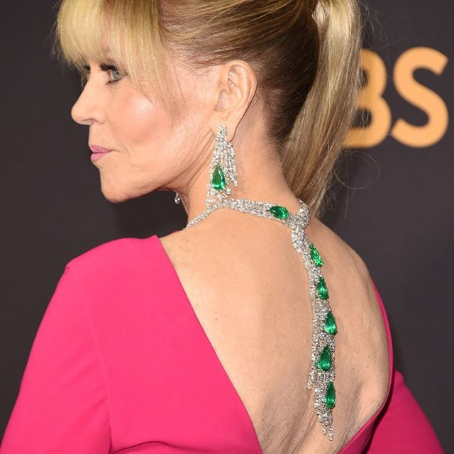 Jane Fonda lit up the #Emmys2017 red carpet last night wearing a @gismondi1754 emerald suite 💚💚💚 #emmysjewelry