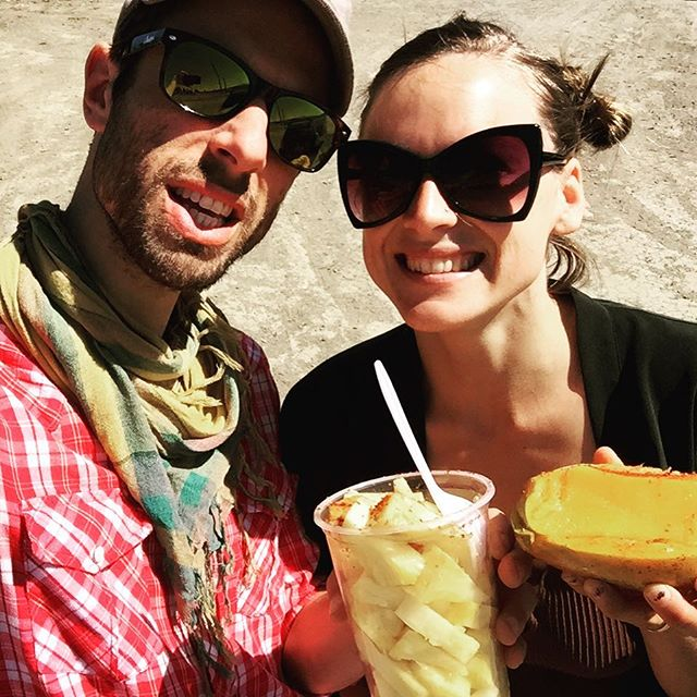 The Central Valley never tasted so #refreshing! Ahh... transported to #centralAmerica through our tastebuds on the way to the #festival. 🐾 @earthjam2017 @feral_fauna @krikor_kr3ture @heatherchristie_music #earthjam #feralfauna #ontheroad #mango #pineapple #tasty #treats #tincture #liveband #ontour #sequoia #threerivers #caliadventure