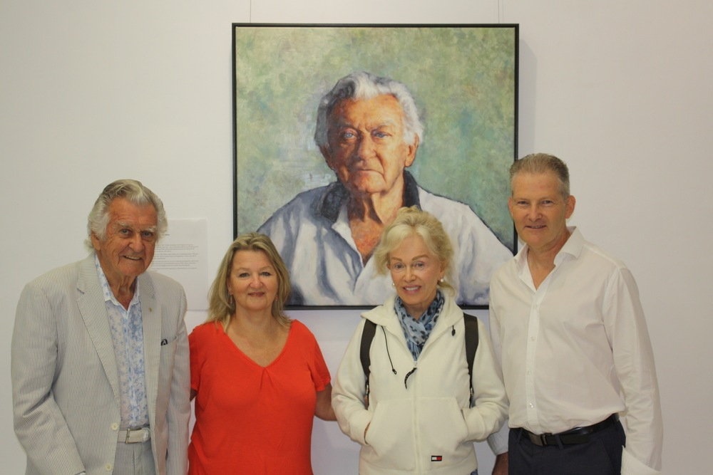 Former prime minister, Bob Hawke, alongside his daughter Sue Pieters-Hawke, Blanche d'Alpuget and the artist, Sean Hutton.