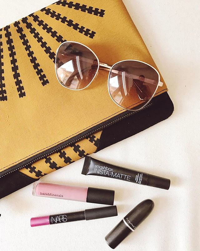 Today's perfect weather essentials. ☀😎💄💋