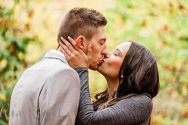 And the kiss after she said YES ✨ • • • #oakharborphotographer#seattlephotographer#engagement#engagementphotos#engagementring#shesaidyes#manandwife#ido#forever#love#fiance#kiss#firstkiss#theknot#authenticlove#fall#fallcolors#mastinlabs#lookslikefilm#fuji#follow#photographerslife#bokeh