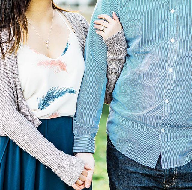 Hold me close 💕 • • • #whidbeyisandphotographer#oakharborphotographer#seattleengagementphotographer#seattlephotographer#pnwphotographer#pnwonderland#engagementphotos#engagementsession#shesaidyes#ido#theknot#weddingplanning#couplegoals#capturedmoments#fun#love#nikon#nikon105mm#bokeh#lookslikefilm#authenticlove