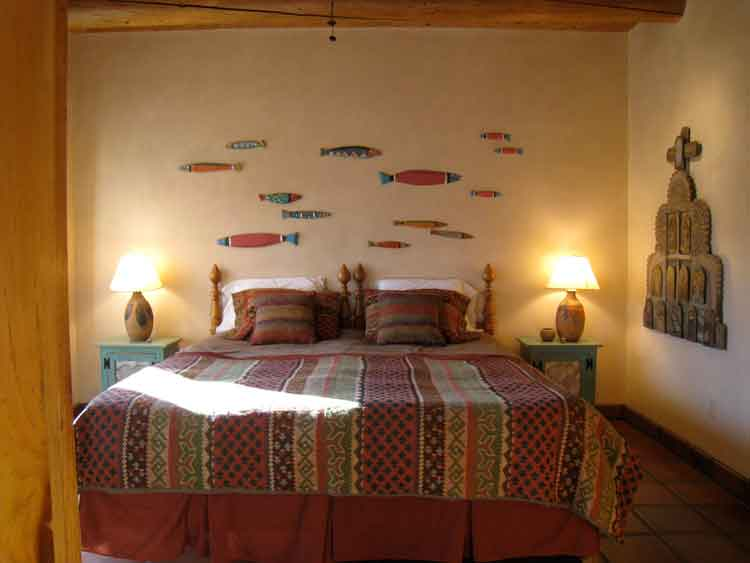 Casita taos nm kentcurtis design studio guest house bedroom solutioingenieria
