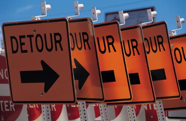 detour signs.jpg