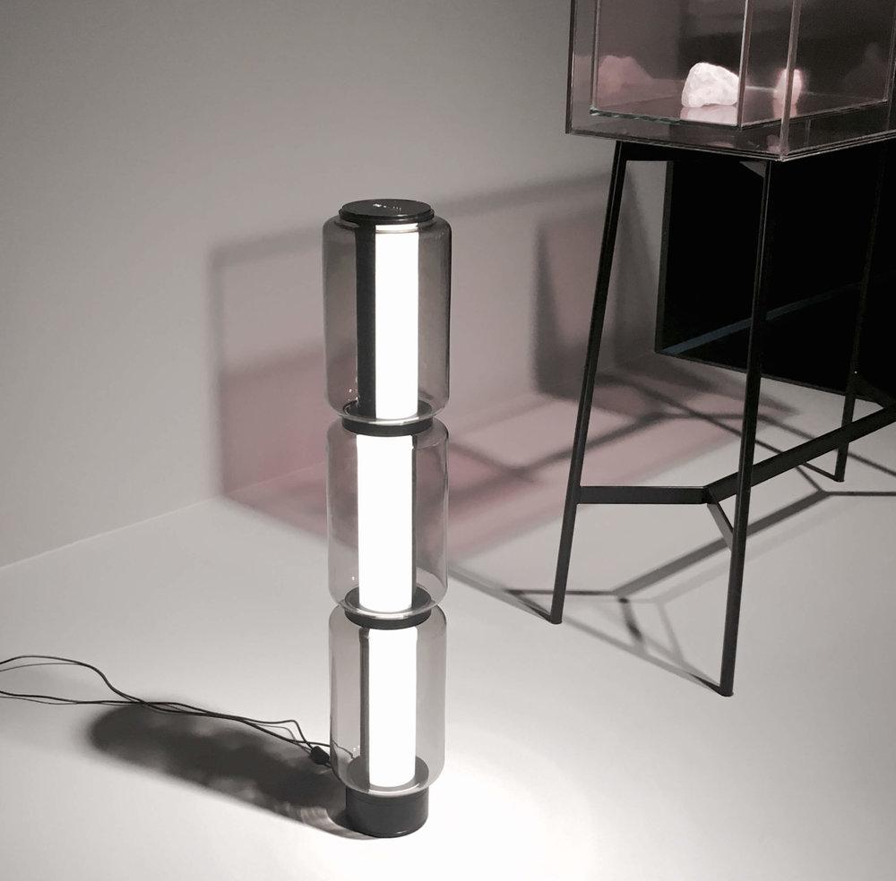 1. Platz Pure Talents Contest: Tischleuchte Baschnja mit 360°-Drehfunktion von Ilja Huber