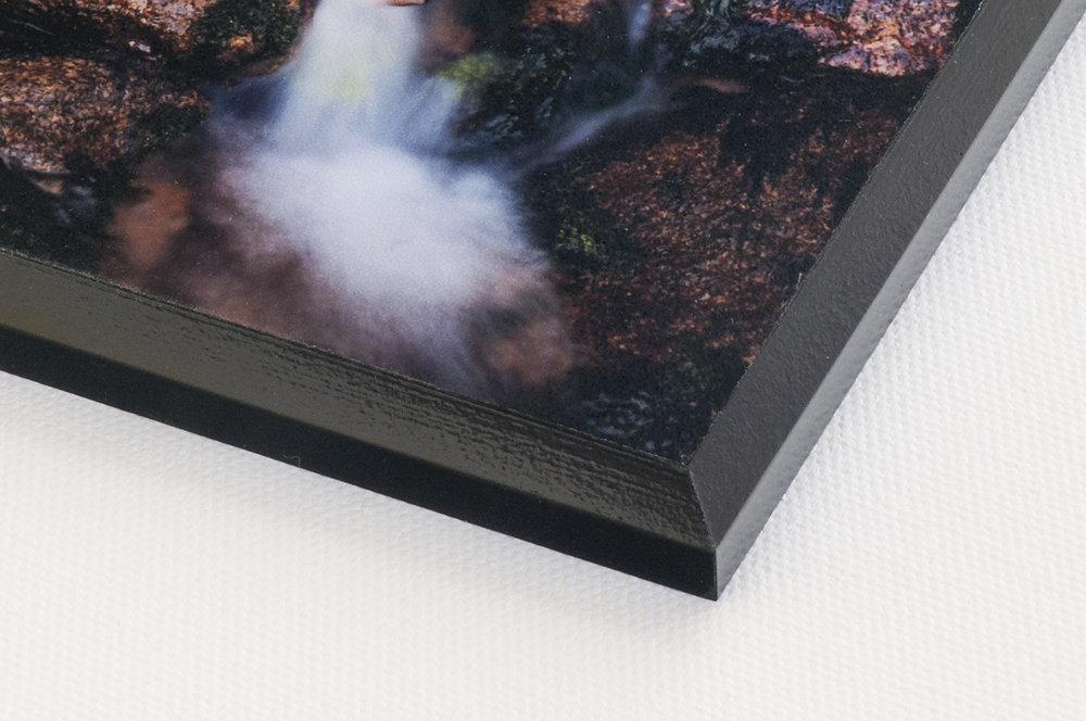 BLACK FINISH PLAQUE MOUNT