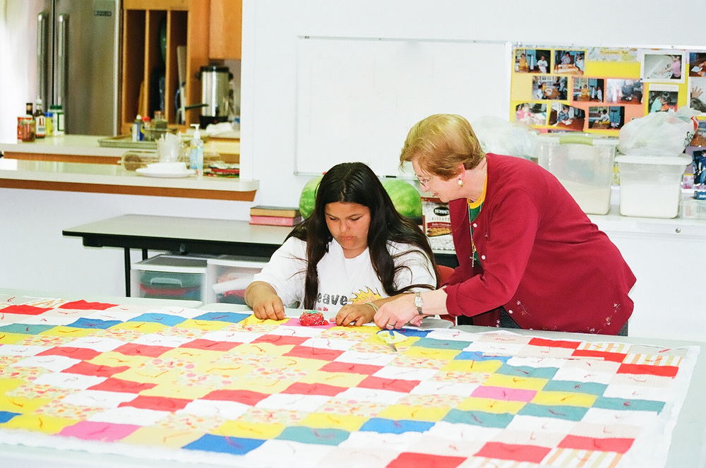 Neah Bay 2010 Making a quilt