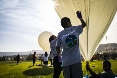 Students prepare to launch the balloons.Mark Stone/University of Washington