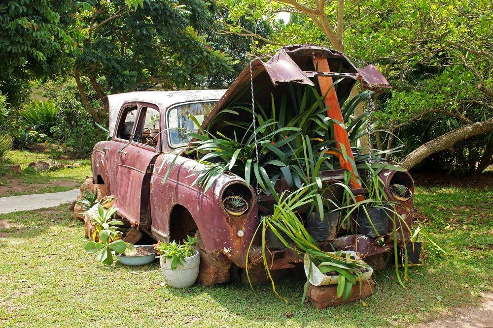 vintage-car-2851452_1920.jpg