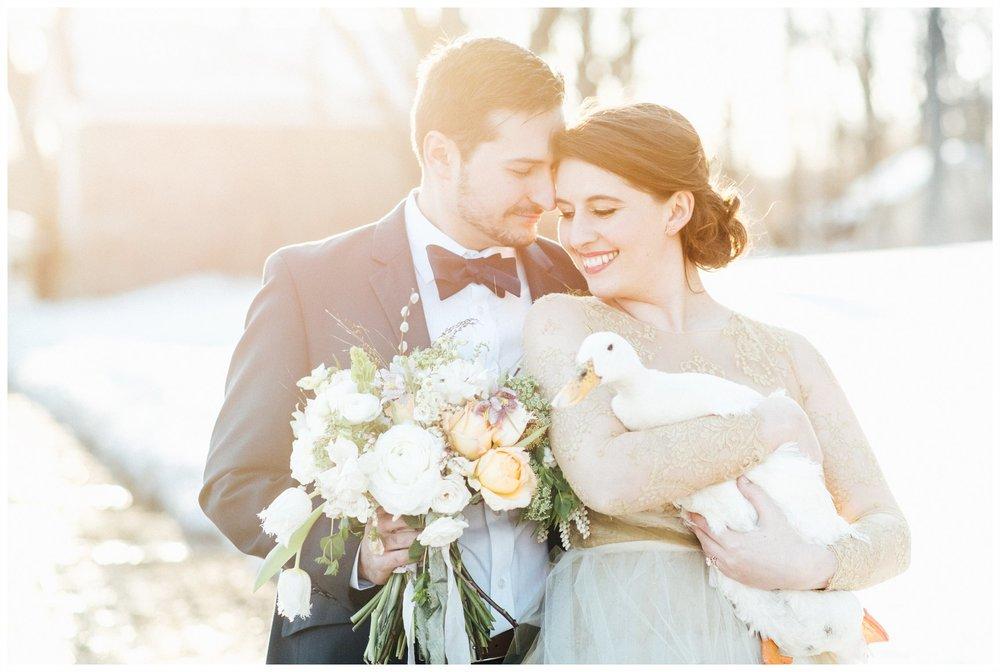 wedding couple, bridal bouquet