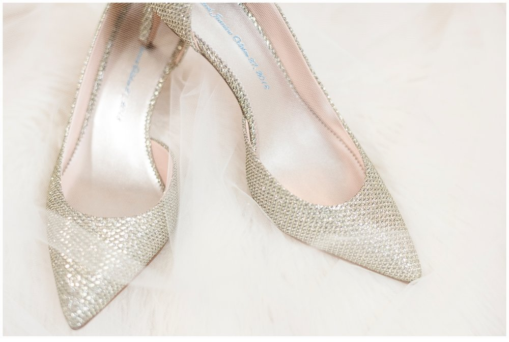 pretty wedding shoes with bridal veil