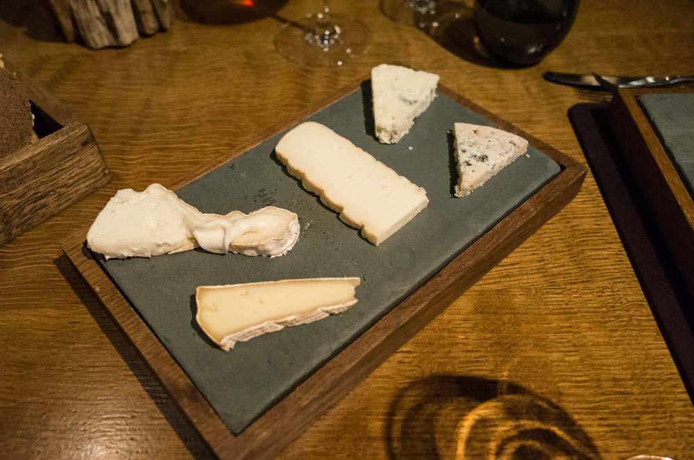Cheese course (v) (optional)