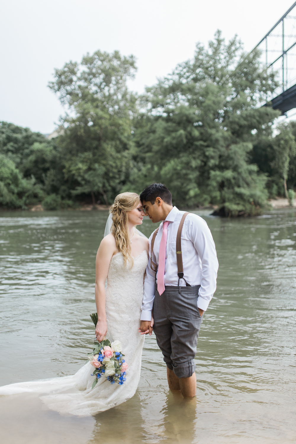riverside hill country wedding // new braunfels, texas // outdoor wedding photography // www.abbihearne.com