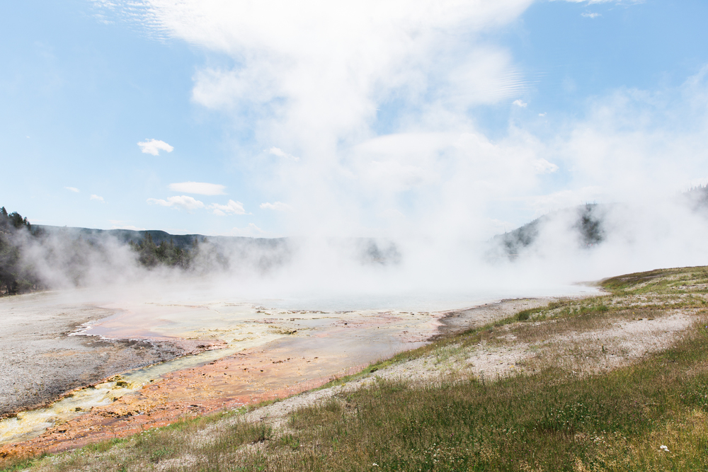 yellowstone national park // roadtrip adventure // www.abbihearne.com