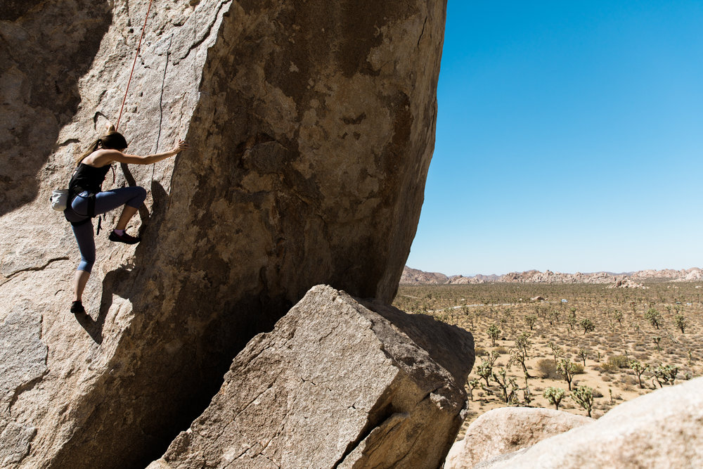 climbing in joshua tree national park // www.abbihearne.com