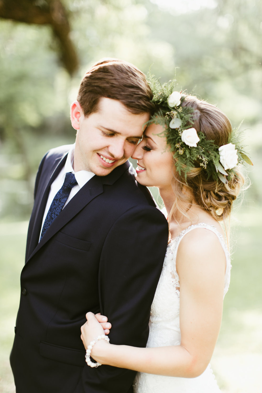 romantic, classic wedding photos // adventure wedding photographer // www.abbihearne.com