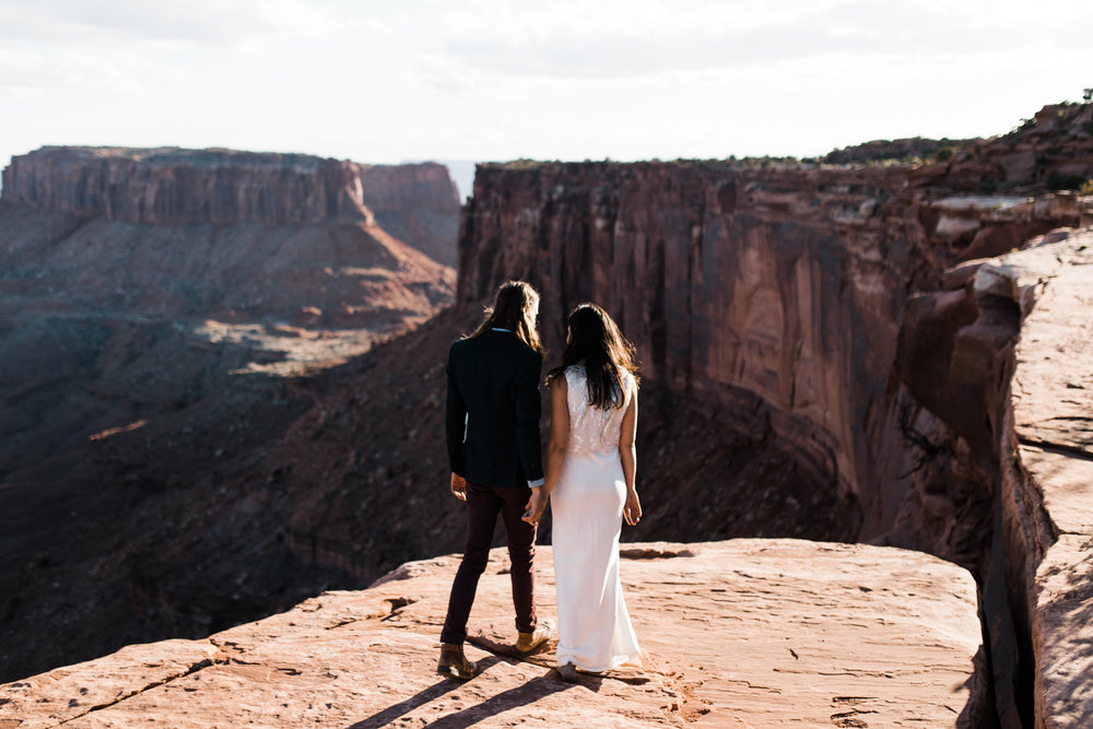 desert wedding inspiration | canyonlands national park | under canvas moab | utah adventure wedding photographer | www.thehearnes.com