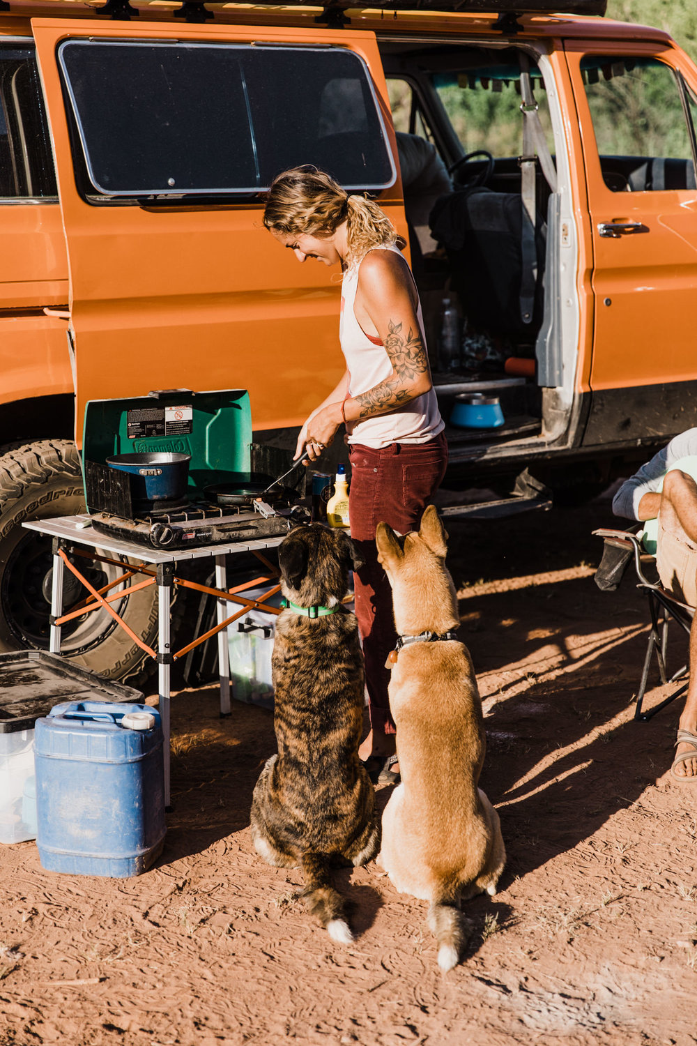 bri + keith madia | van life in the utah desert | never leave the dogs behind | the hearnes adventure photography for ruffwear | www.thehearnes.com