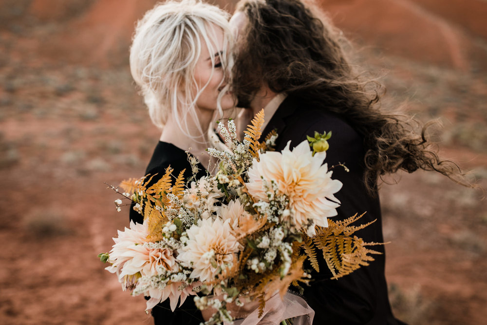 Moab desert elopement inspiration | moab, utah intimate wedding and elopement photographer | the hearnes adventure photography | www.thehearnes.com