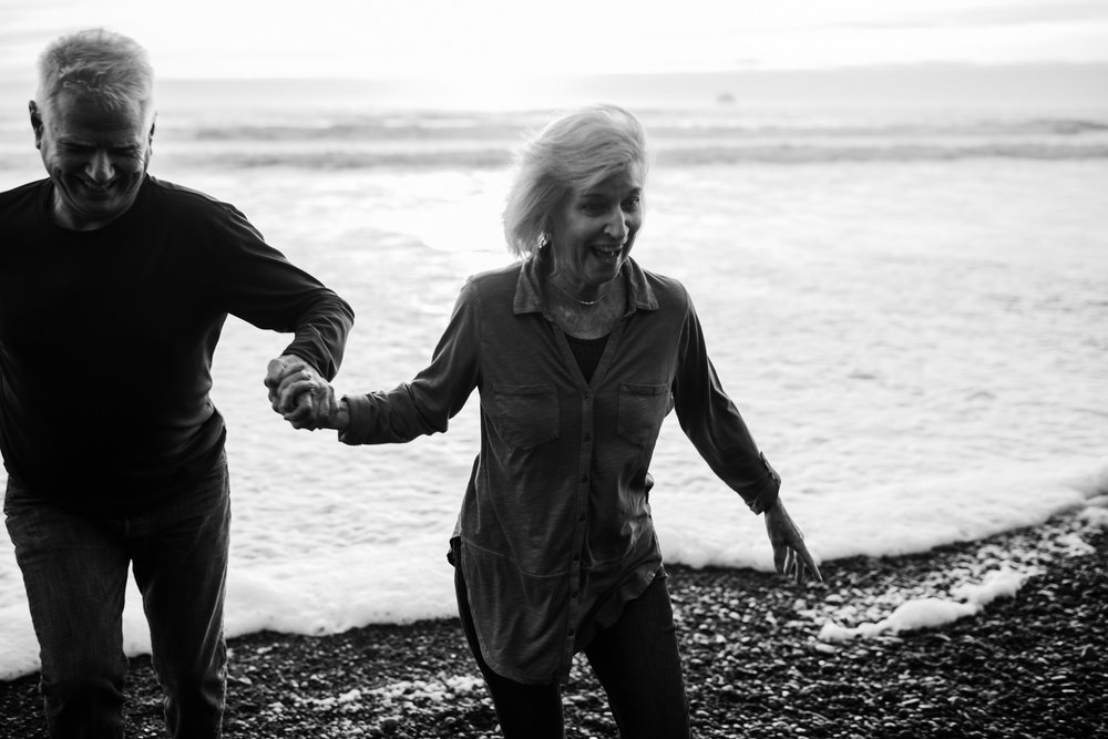 adventurous anniversary session | married 36 years | olympic national park |washington wedding photographer | the hearnes adventure photography | www.thehearnes.com