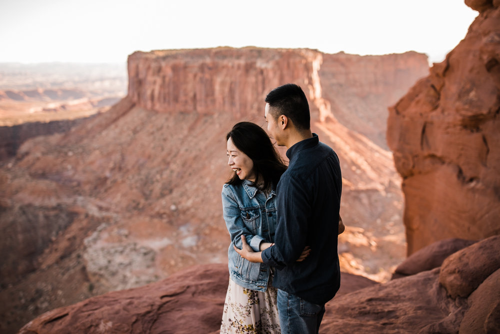 julie + ray's adventurous desert engagement session | canyonlands national park |utah adventure elopement photographer | the hearnes adventure photography | www.thehearnes.com
