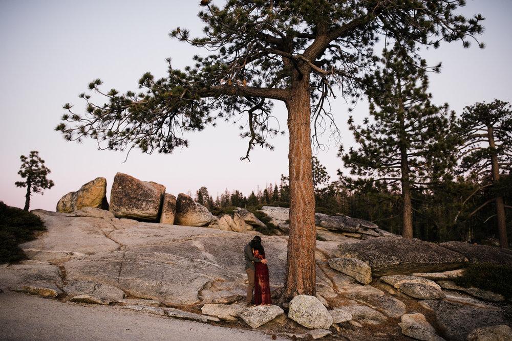 rachel + seth's adventurous taft point engagement session | yosemite national park |california adventure elopement photographer | the hearnes adventure photography | www.thehearnes.com