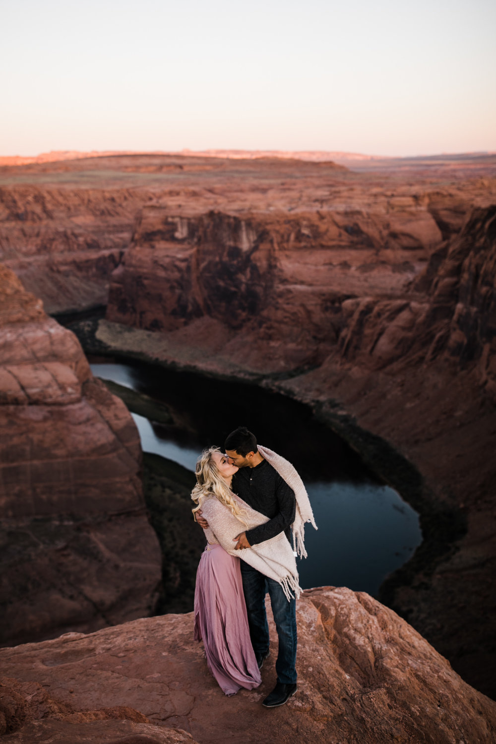 adventure elopement session at horseshoe bend | destination engagement photo inspiration | utah adventure elopement photographers | the hearnes adventure photography | www.thehearnes.com